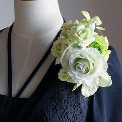 結婚式コサージュ・ミントローズとシンビジウム