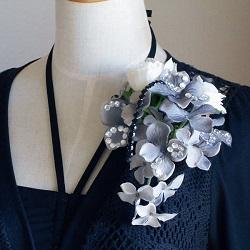 結婚式コサージュ・ローズとグレー紫陽花
