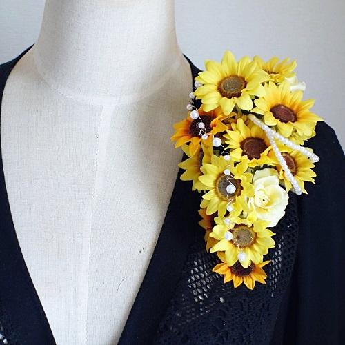 結婚式コサージュ・ひまわりと向日葵とローズでたくさんの笑顔